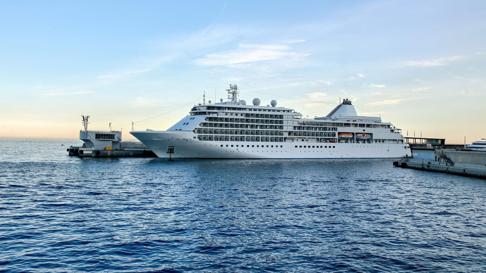 Award-winning cruise ship about to travel from port